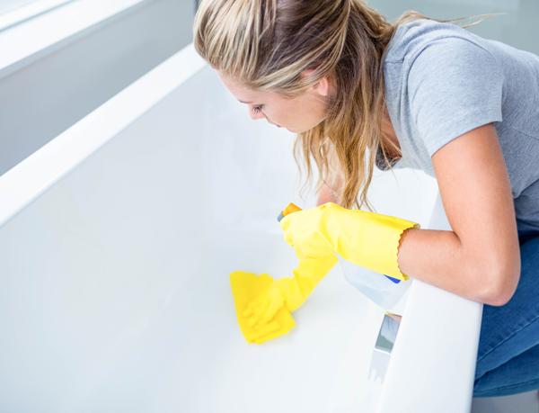 как чистить ванны и душевые кабины